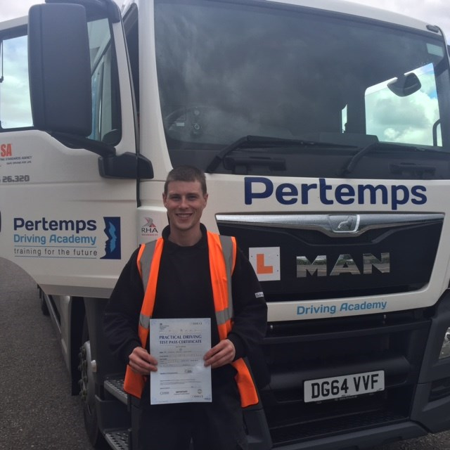 1000th Candidate Trained with Pertemps Driving Academy